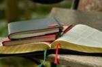 LIVRES BIBLE.jpg